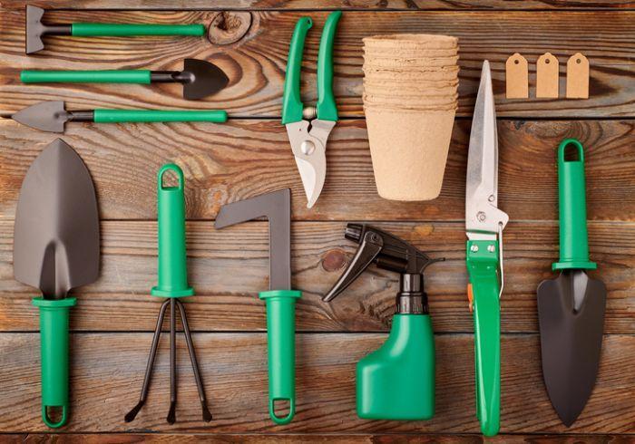 Zielone narzędzia ogrodowe